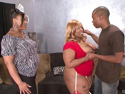 Insolent ebony with chunky ass, laughable home BBW anal with the laddie