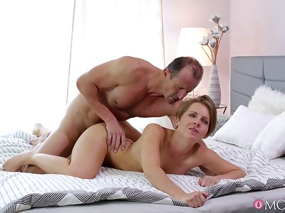 Older guy rams young babe and makes her feel interior