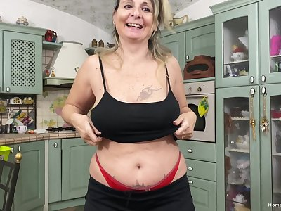 POV video be expeditious for an amateur mature sucking a dick while topless