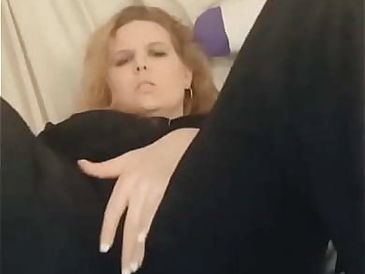 Fingering yourselves coupled with cumming