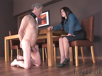 Strict bitch Mistress Lola punishes her submissive bloke and make shim lick and swell up feet