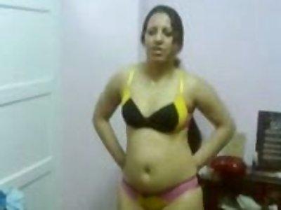 Egyptian Arab woman chubby tits sucking blarney licking balls