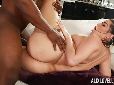 Itchy hardcore sex with a black man