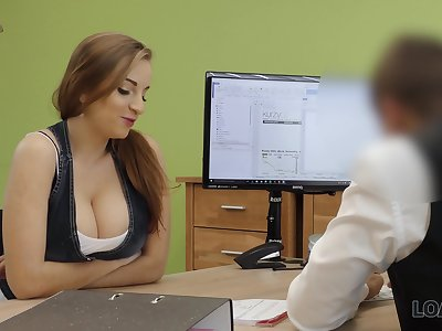 A university graduate seduces her future Mr Big brass with her interior and fucks him complying